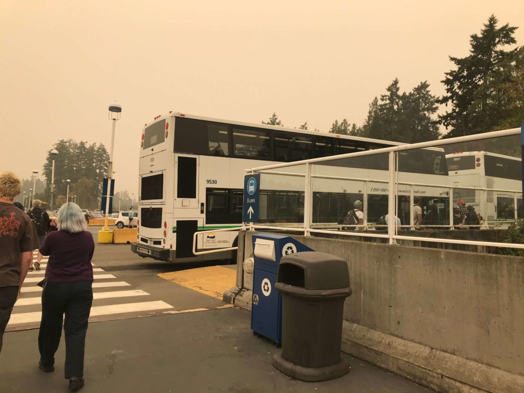 開往維多利亞downtown的公車